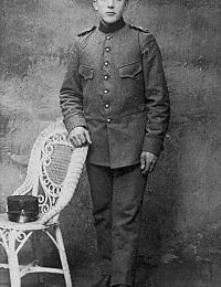 Peter Verrips ev Adriana de Vos geb 28-2-1895.jpg