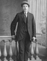 Teus Verrips broer van Hermine 1920.jpg