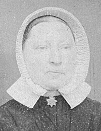 Portrait Neeltje de Wildt ev Teunis van Dieren geb 11-01-1840.jpg